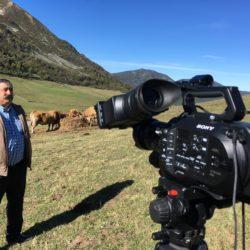 """Entrevista al ganadero y secretario general de UCA-UPA Asturias, José Ramón """"Pachón"""" García Alba, en el puerto de Leitariegos, entre León y Asturias"""